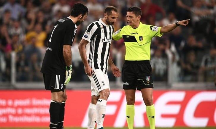 Джорджио Кьеллини (по центру), calciomercato.com