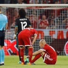 """Роббен получил травму и был заменен на 5-й минуте матча """"Бавария"""" - """"Реал Мадрид"""""""