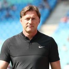 "Хазенхюттль уволен из ""Лейпцига"""