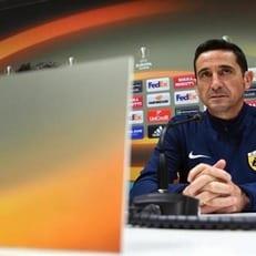 Маноло Хименес покинул пост главного тренера афинского АЕКа