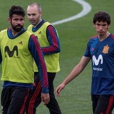 Родри и Вальехо отправятся в Россию вместе с Испанией