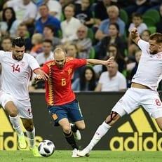 В матче против Туниса Иньеста допустил наибольшее количество потерь