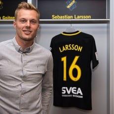 Ларссон подписал контракт с АИКом