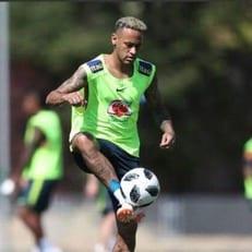 Неймар вернулся к тренировкам сборной Бразилии