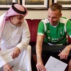 """Защитник """"Алавеса"""" Алексис продолжит карьеру в Саудовской Аравии"""
