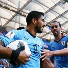 Суарес — первый уругваец, забивший на трех ЧМ