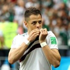 Чичарито забил 50-й гол за сборную Мексики