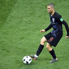 Матео Ковачич совершил 79 точных передач из 79 в поединке против Исландии