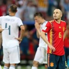 Испания проиграла все 4 матча против хозяев чемпионатов мира