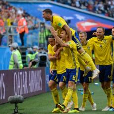 Швеция вышла в четвертьфинал ЧМ впервые с 1994 года