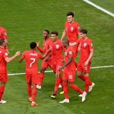 Впервые с 2002 года команды из одной группы вышли в 1/2 финала ЧМ
