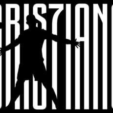 """Официально: Криштиану Роналду подписал контракт с """"Ювентусом"""" на четыре года"""