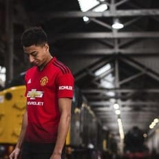 "Адидас представил новую форму ""Манчестер Юнайтед"""