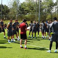 """Озил отправится с """"Арсеналом"""" в Сингапур"""