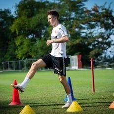 Александр Головин тренируется по индивидуальной программе