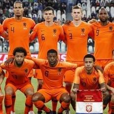 Нидерланды вырвали победу над Перу