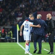 Рафаэл и Фекир получили травмы в матче с ПСЖ