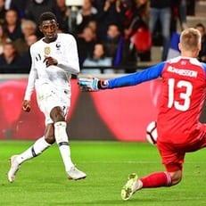 Франция вырвала ничью в матче с Исландией