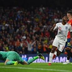 Испания пропустила три гола на своем поле впервые за 27 лет