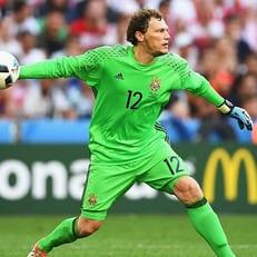 Пятов впервые за 10 лет остался в запасе сборной Украины на официальный матч