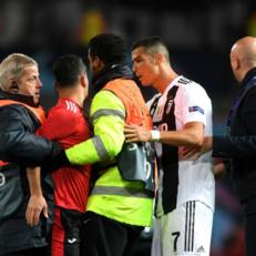 """УЕФА оштрафовал """"Манчестер Юнайтед"""" на восемь тысяч евро"""