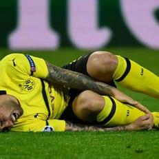 Пако Алькасер получил травму в игре против Менхенгладбаха
