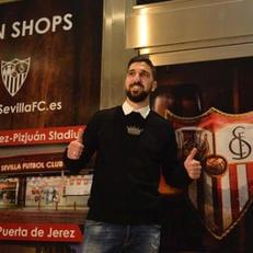Мунас Даббур прибыл в Севилью для подписания контракта