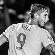 Матчи Лиги 1 и Лиги 2 начнутся с минуты аплодисментов в память о Сале