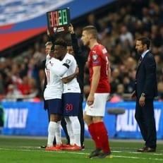 Хадсон-Одои стал самым молодым дебютантом в истории сборной Англии