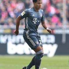 Гнабри забивает 10 и более голов в трех сезонах Бундеслиги подряд