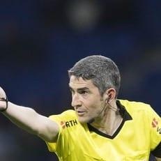 Ундиано Мальенко провел последний матч в карьере рефери