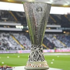 УЕФА перенес принятие решения о месте проведения финала Лиги Европы 2021 года