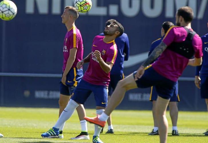 """Рафинья на тренировке """"Барселоны"""", Marca"""