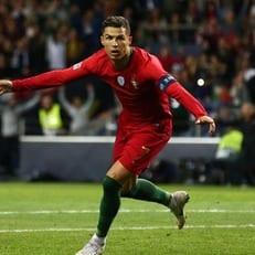 Криштиану Роналду вышел на 5-е место по числу матчей за сборную среди европейцев