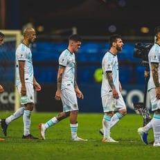 Аргентина проиграла стартовый матч Кубка Америки впервые с 1979 года
