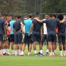 Фернандиньо и Артур пропустили тренировку сборной Бразилии