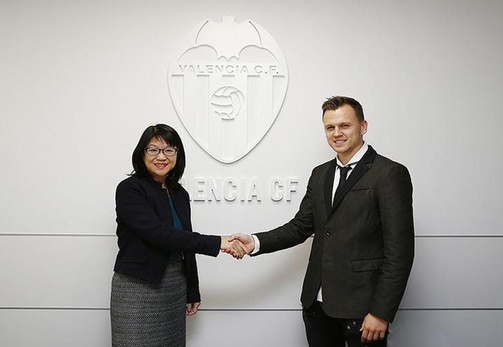 Денис Черышев, en.valenciacf.com