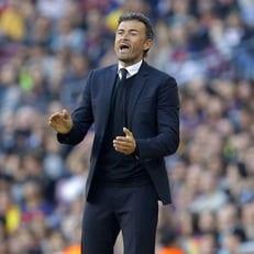 """Луис Энрике останется в """"Барселоне"""" и отработает еще минимум год"""