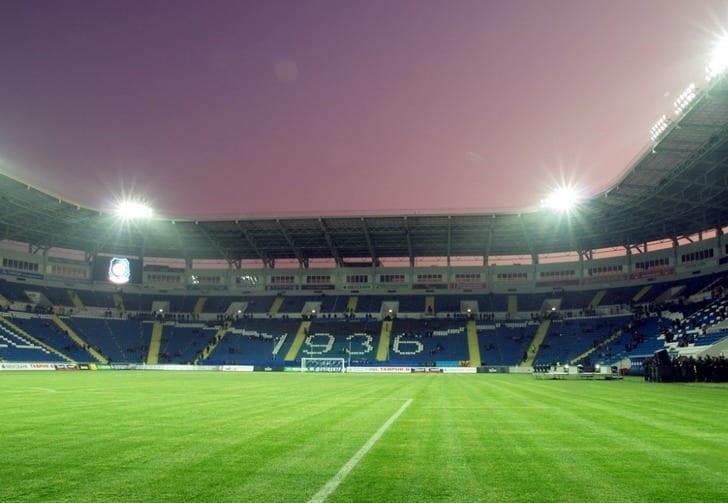 Луганская «Заря» сыграет с«Манчестер Юнайтед», «Фенербахче» и«Фейенордом» вОдессе