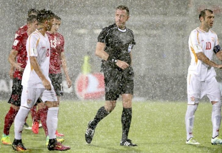 Футбольный матч Албания— Македония, остановленный из-за дождя, будет продолжен 6сентября