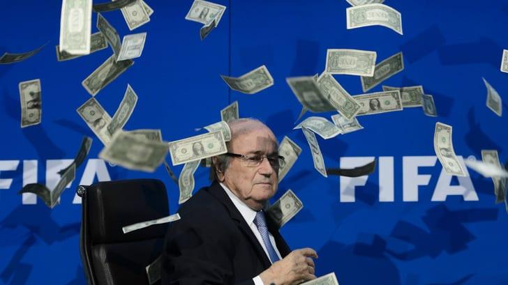 Комитет поэтике ФИФА открыл расследование вотношении Блаттера, Вальке иКаттнера