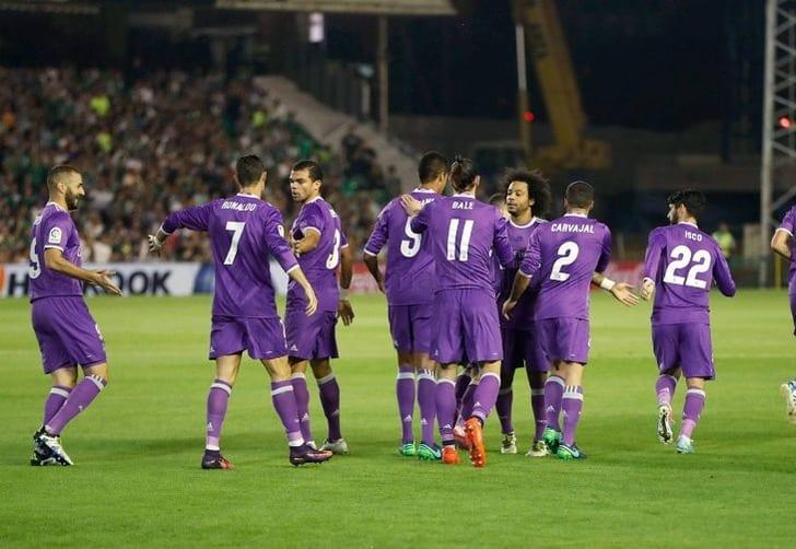 «Реал» разгромил «Легию» вматче группового этапа футбольной Лиги чемпионов