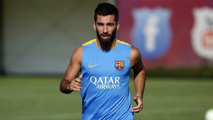 Защитник Барселоны получил травму