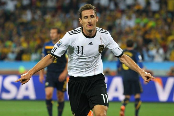 Клозе завершил карьеру футболиста ипройдет тренерскую стажировку всборной Германии