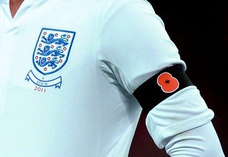 ФИФА запретила Британии иШотландии носить эмблему мака