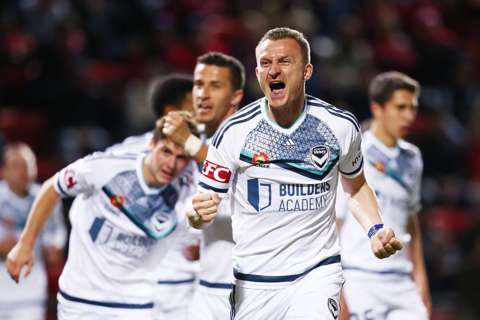 ФИФА позволила еше двум албанцам играть засборную Косово