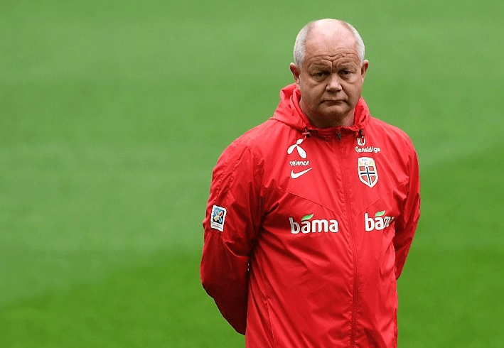 Главный тренер сборной Норвегии пофутболу Хегмо покинул собственный пост