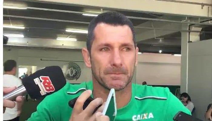 Вратарь «Шапекоэнсе» Нивалдо объявил озавершении карьеры