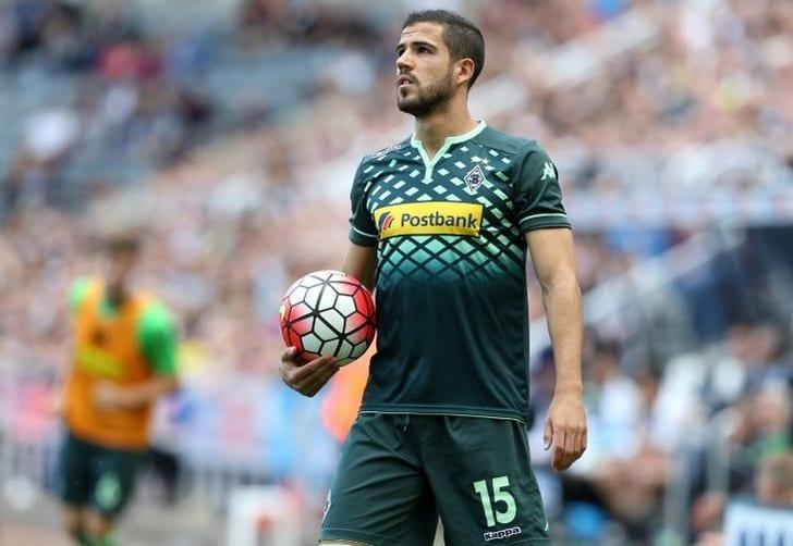 Защитник мёнхенгладбахской «Боруссии» Альваро Домингес завершил карьеру в27 лет