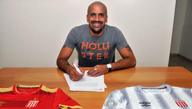 41-летний Верон возобновил карьеру иподписал договор с«Эстудиантесом»